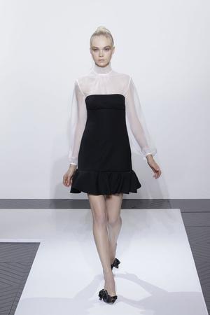 Показ Valentino коллекции сезона Осень-зима 2010-2011 года haute couture - www.elle.ru - Подиум - фото 168377