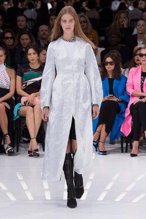 Показ Christian Dior коллекции сезона Весна-лето 2015 года prêt-à-porter - www.elle.ru - Подиум - фото 590869