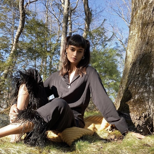 Черный шелк и перья: самая красивая пижама — у Жизель Оливейра (фото 1)