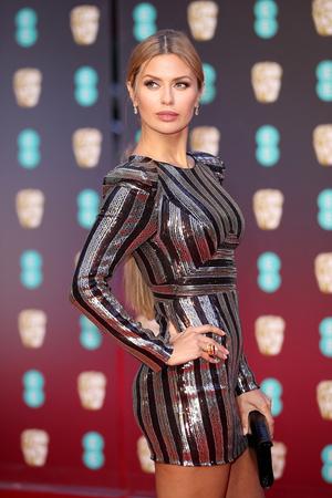 Виктория Боня на красной дорожке премии BAFTA-2018 (фото 5)