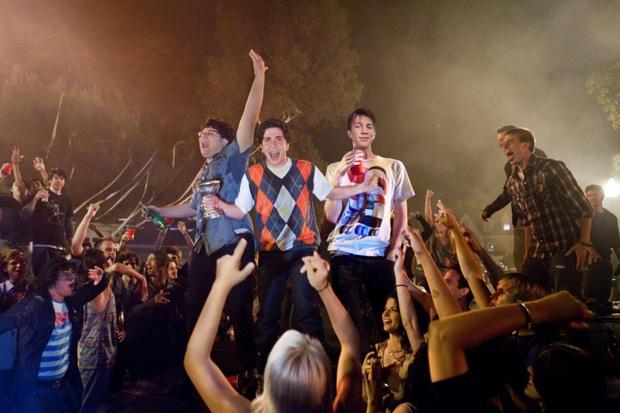 7 комедий, где всему виной вечеринки (фото 16)