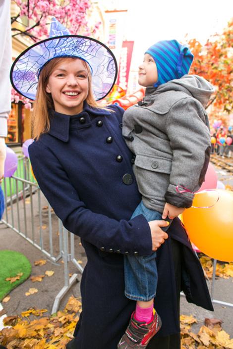 Алиса Гребенщикова с сыном Алешей