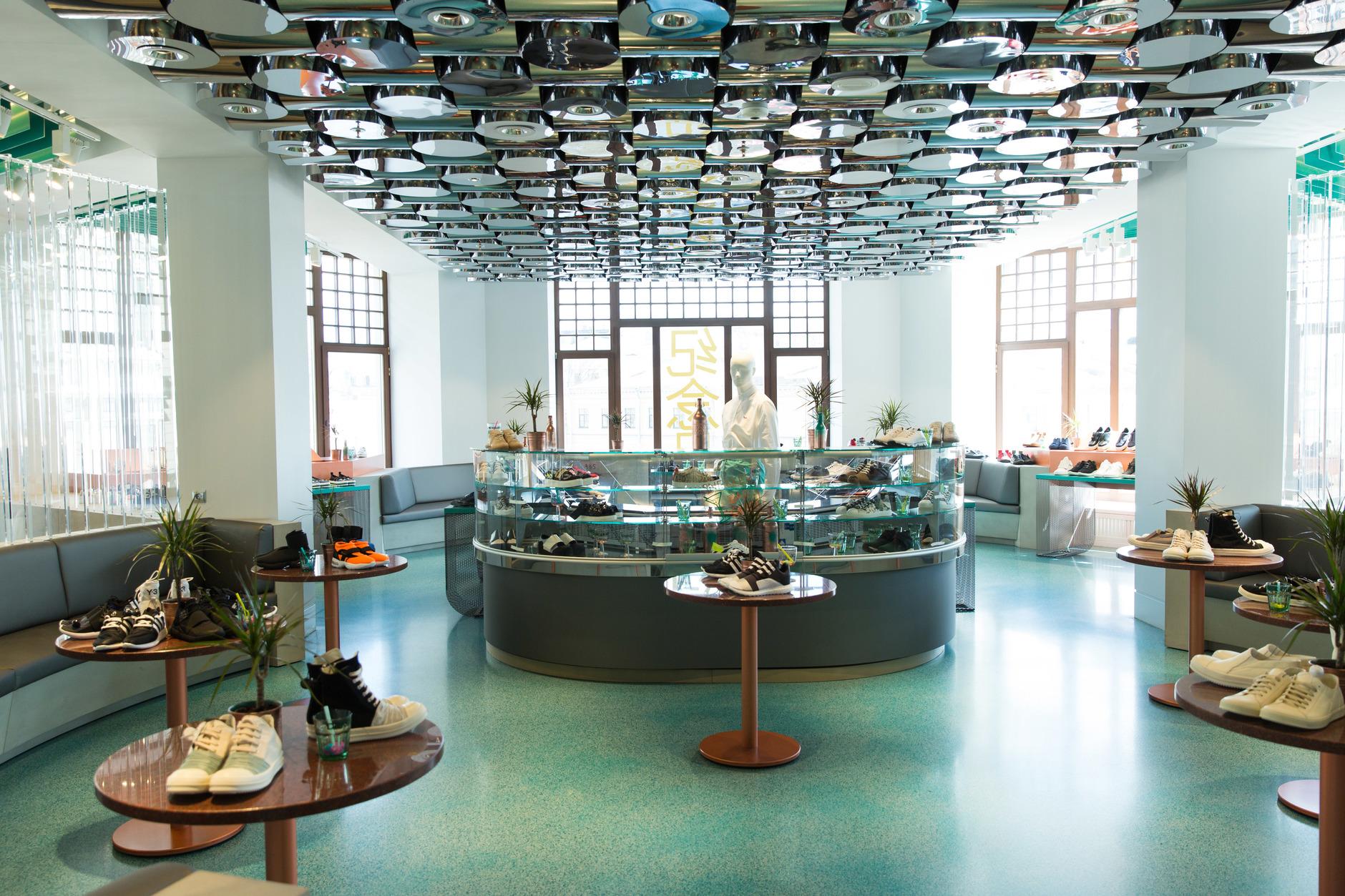 Как выглядят пространства успешных fashion-брендов (галерея 3, фото 0)