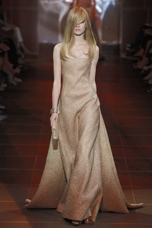 Показы мод Giorgio Armani Privé Осень-зима 2010-2011 | Подиум на ELLE - Подиум - фото 2691