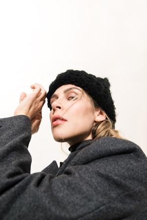 Как носить вещи из подиумной коллекции H&M Studio AW 17? фото [23]