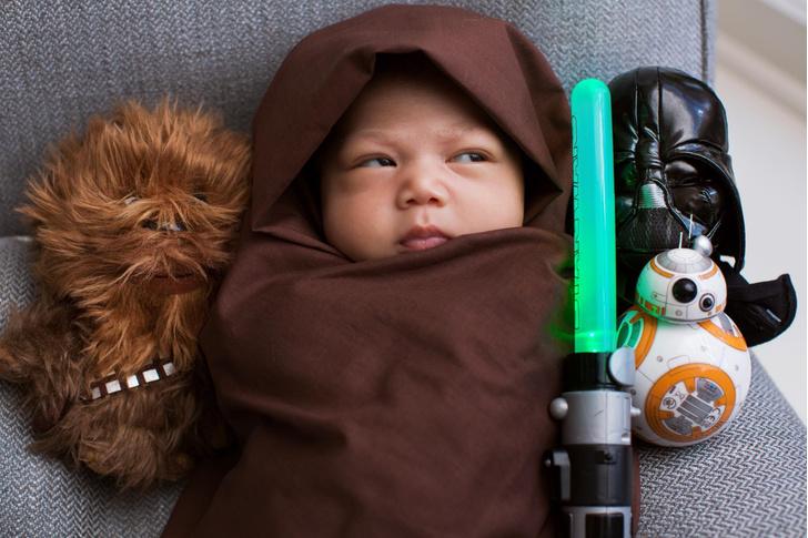 Фото дня: Марк Цукерберг показал дочь в образе джедая