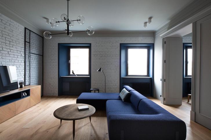 Белая квартира с синими акцентами 78 м² (фото 4)