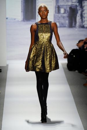 Показы мод Tibi Осень-зима 2011-2012 | Подиум на ELLE - Подиум - фото 2350