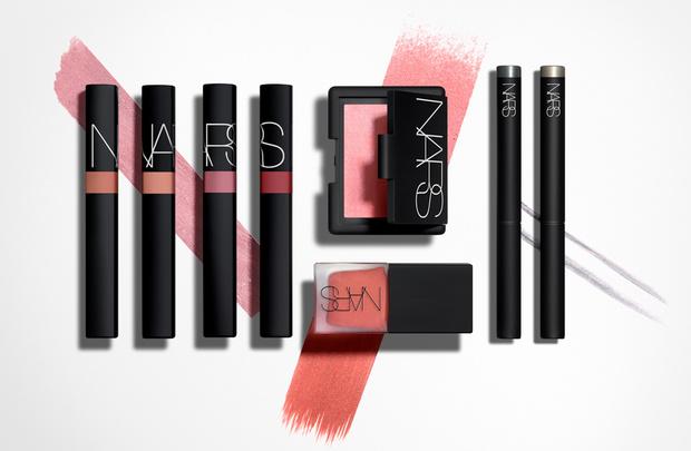 Цветные сны: весенние коллекции макияжа 2018 (фото 8)