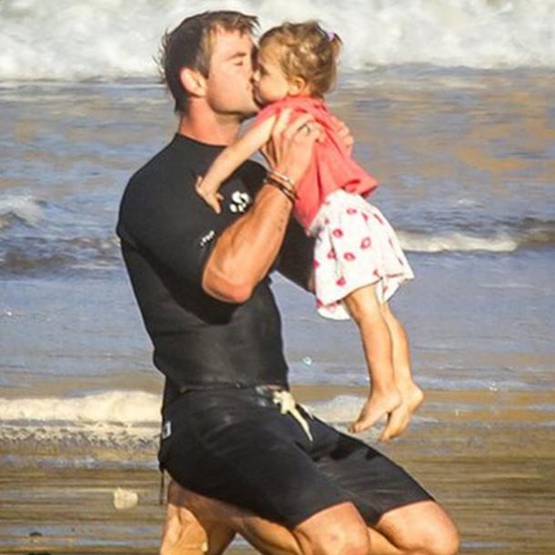 Крис Хемсворт с дочерью
