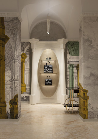 Delvaux opens its first boutique in Rome (фото 8.1)