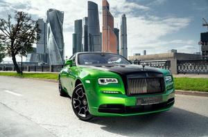 Rolls-Royce представили особую коллекцию Wraith, вдохновленную ночной Москвой (фото 1.2)