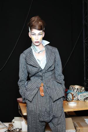 Показ Vivienne Westwood коллекции сезона Весна-лето 2011 года prêt-à-porter - www.elle.ru - Подиум - фото 192533