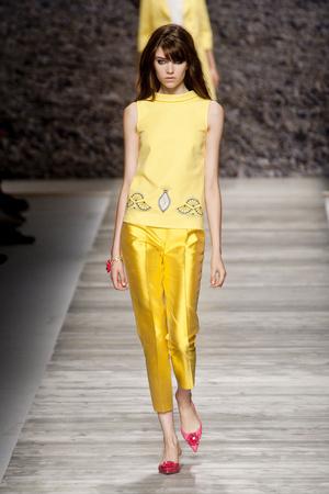 Показы мод Blugirl Весна-лето 2014 | Подиум на ELLE - Подиум - фото 3598