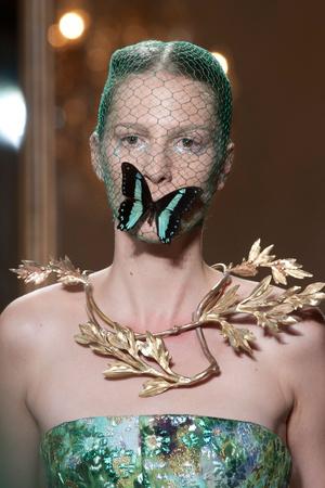 Показ Giambattista Valli коллекции сезона Осень-зима 2012-2013 года Haute couture - www.elle.ru - Подиум - фото 403790