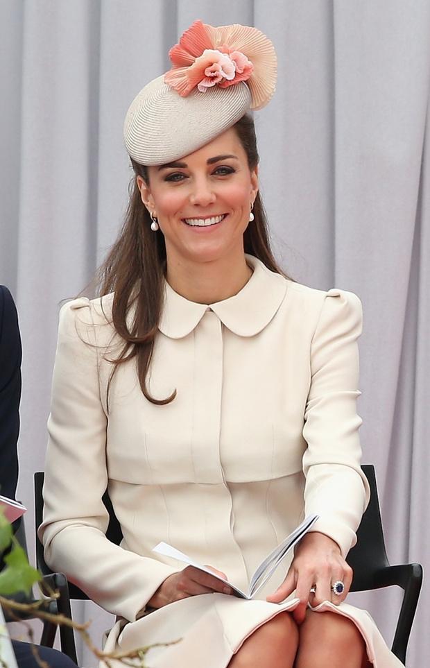 Герцогиня Кембриджская в пальто от Alexander McQueen