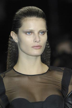 Показ Givenchy коллекции сезона Осень-зима 2009-2010 года prêt-à-porter - www.elle.ru - Подиум - фото 98386