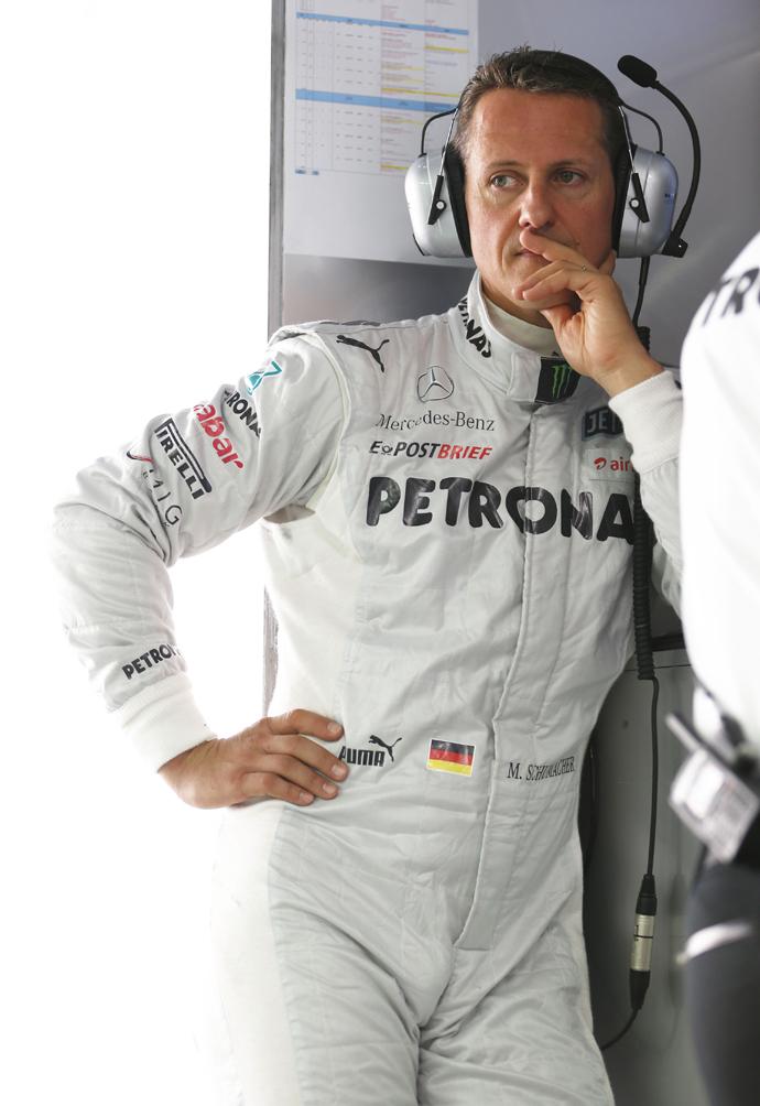 Главный гонщик мира Михаэль Шумахер вышел из комы