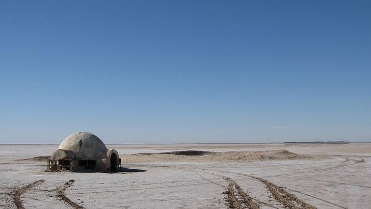 Канье Уэст строит префабы для бедных в духе «Звездных войн» (фото 5)