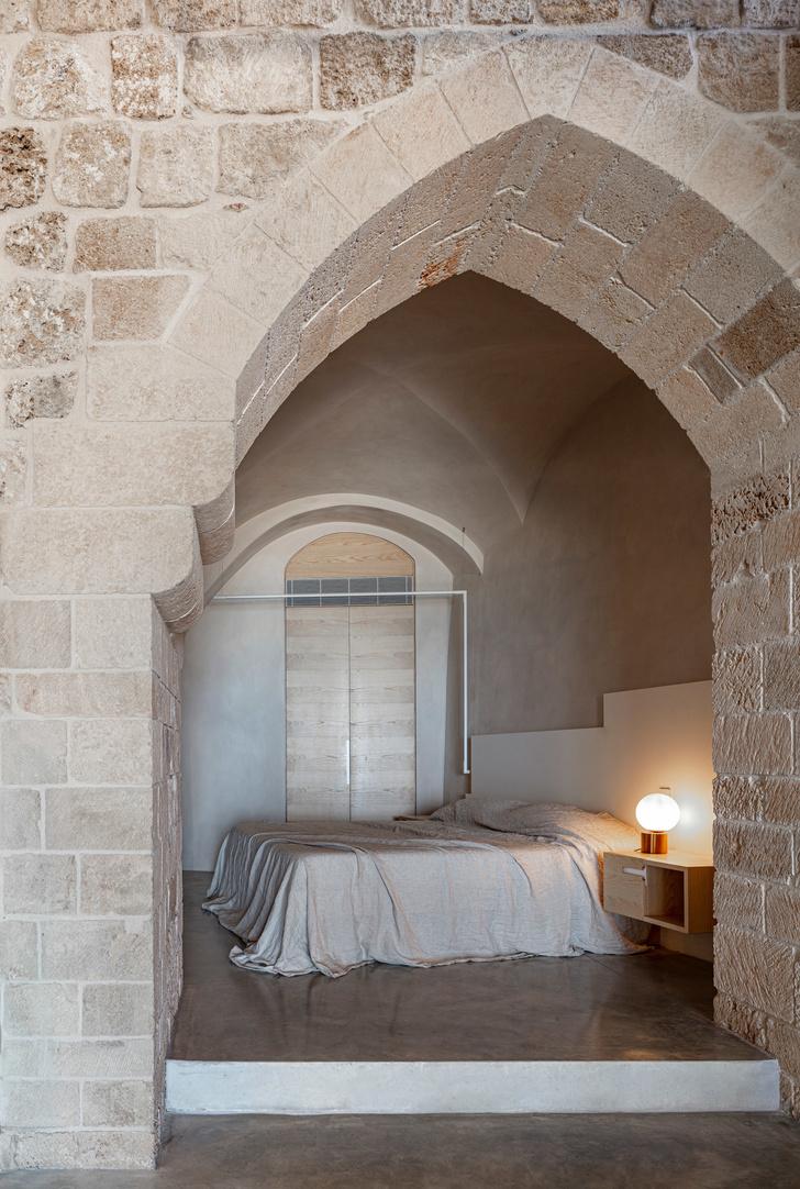 Минималистичная квартира в старом доме Яффы (фото 10)