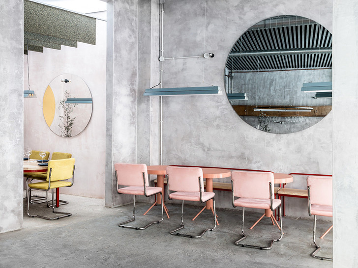 Нежный бетон: ресторан в Испании (фото 0)