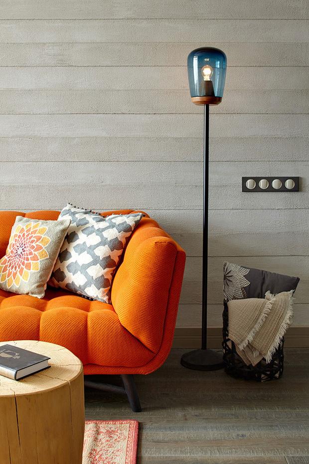 Оранжевая мебель