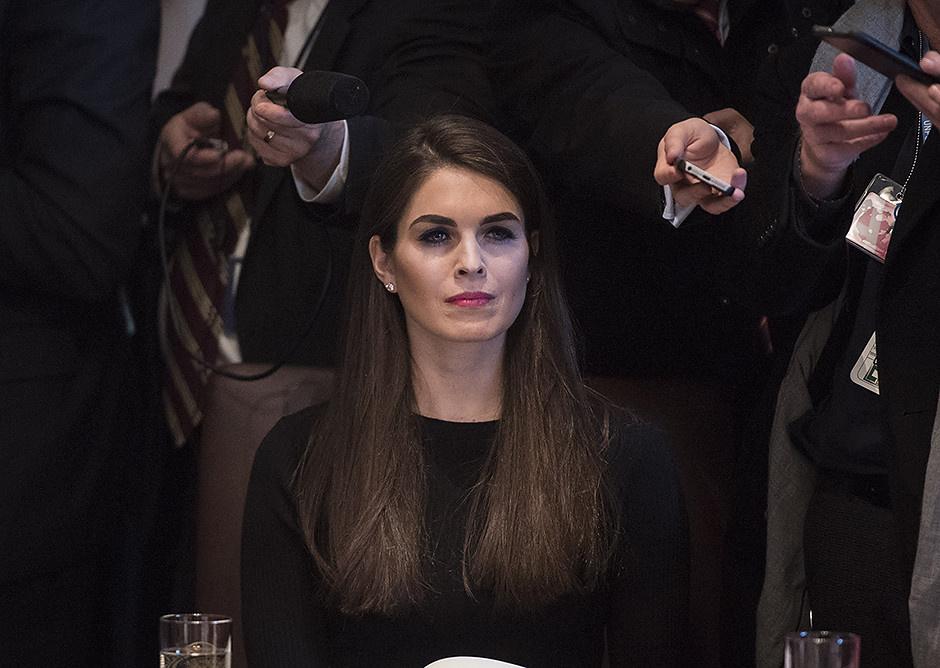 Помощница Дональда Трампа затмила Меланию на гала-вечере в Японии фото [9]
