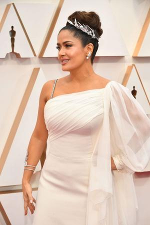Греческая богиня: Сальма Хайек на премии «Оскар-2020» (фото 1.2)