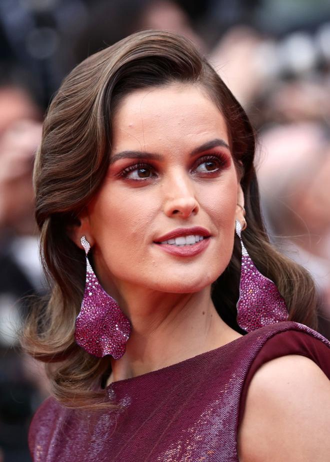 Открытие Каннского кинофестиваля: лучшие укладки и макияж (фото 3.1)