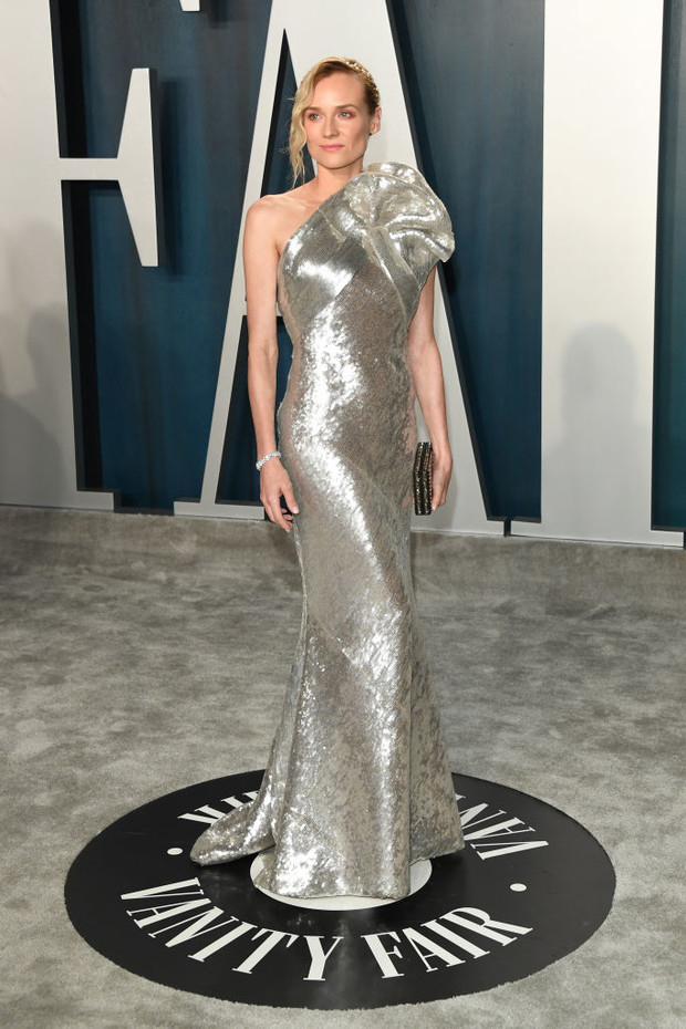 Не потерять бы в серебре: Диана Крюгер на афтепати «Оскара» (фото 2)