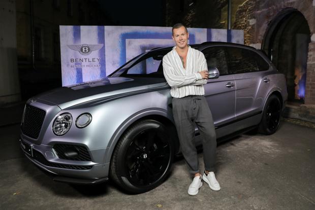 Григорий Масленников и Bentley открыли арт-сезон (фото 4)