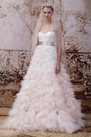 Показ Monique Lhuillier коллекции сезона Осень 2014 года Bridal - www.elle.ru - Подиум - фото 575597