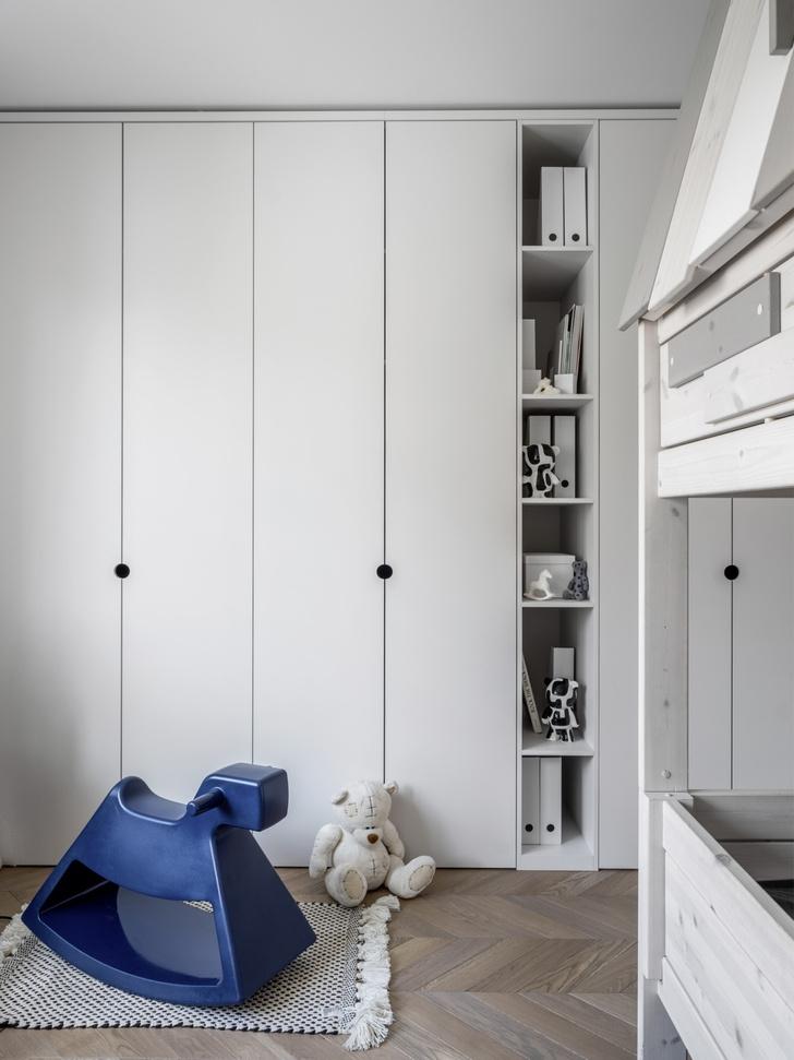 Маленькая квартира 45 м² со спальней за занавеской в Москве (фото 11)