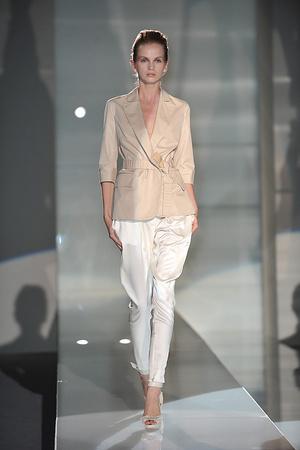 Показы мод Brioni Весна-лето 2009 | Подиум на ELLE - Подиум - фото 3370