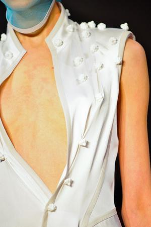 Показ Atelier Gustavo Lins коллекции сезона Весна-лето 2013 года Haute couture - www.elle.ru - Подиум - фото 480217