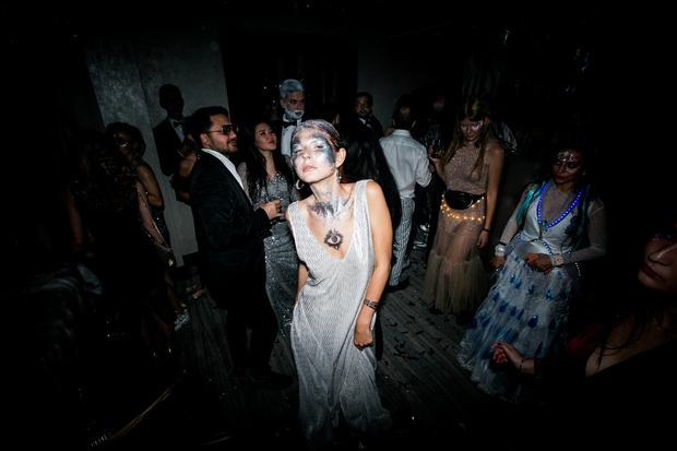 Алеся Кафельникова, Александра Бортич, Лукерья Ильяшенко и другие звезды на вечеринке AfterHalloween (фото 6)
