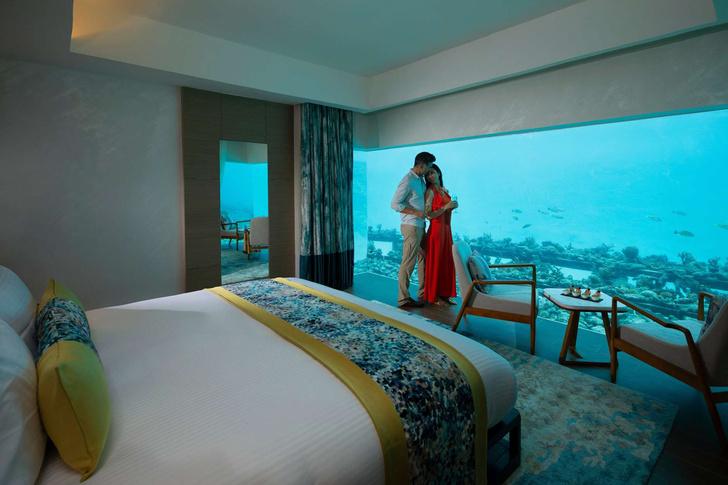 Где остановиться на Мальдивах? Отель с подводными спальнями (фото 1)