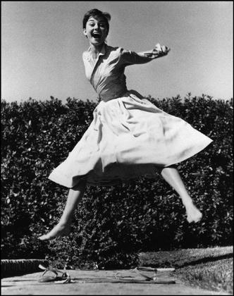 Открывается выставка Филиппа Халсмана «Прыжок»