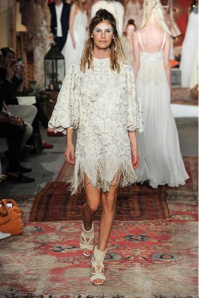 50 самых красивых платьев со Свадебной Недели Моды в Нью-Йорке | галерея [1] фото [36]