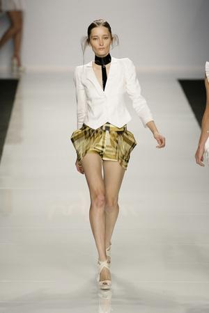 Показы мод Byblos Весна-лето 2009 | Подиум на ELLE - Подиум - фото 3367