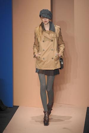 Показы мод DKNY Осень-зима 2010-2011 | Подиум на ELLE - Подиум - фото 2872