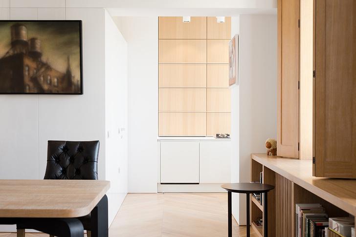 Московский минимализм: светлая квартира с деревянными ставнями (фото 5)