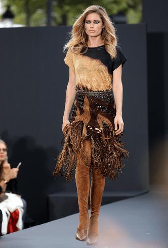 Бьюти-образ дня: Даутцен Крез на дефиле L'Oréal Paris фото [4]