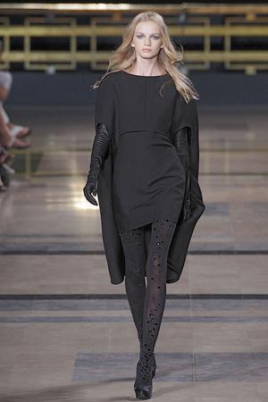 Показ Stephane Rolland коллекции сезона Осень-зима 2010-2011 года Haute couture - www.elle.ru - Подиум - фото 168033