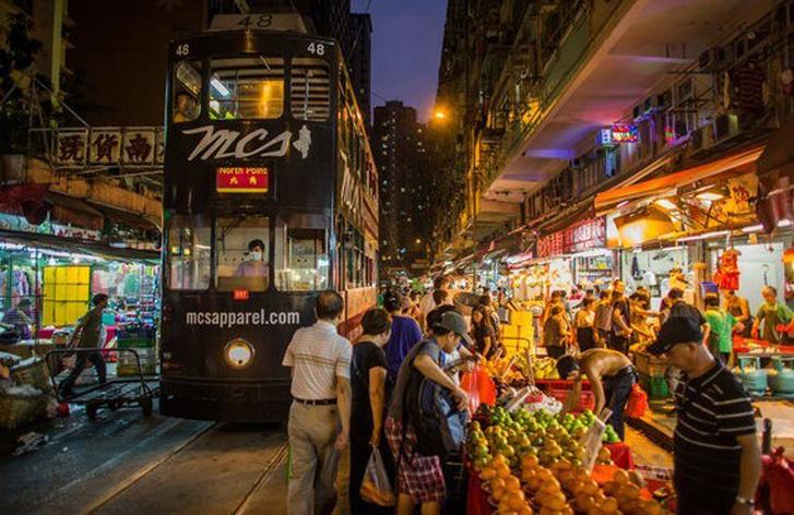 Ночной рынок Коулун в Гонконге
