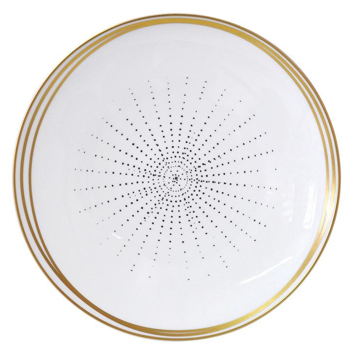 Тарелка из коллекции Aboro, дизайн Сары Лавуан, Bernardaud, салоны Gallery Royal/ТД «ЦУМ».