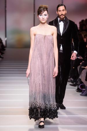 Показ Giorgio Armani Privé коллекции сезона Весна-лето 2018 года Haute couture - www.elle.ru - Подиум - фото 676561