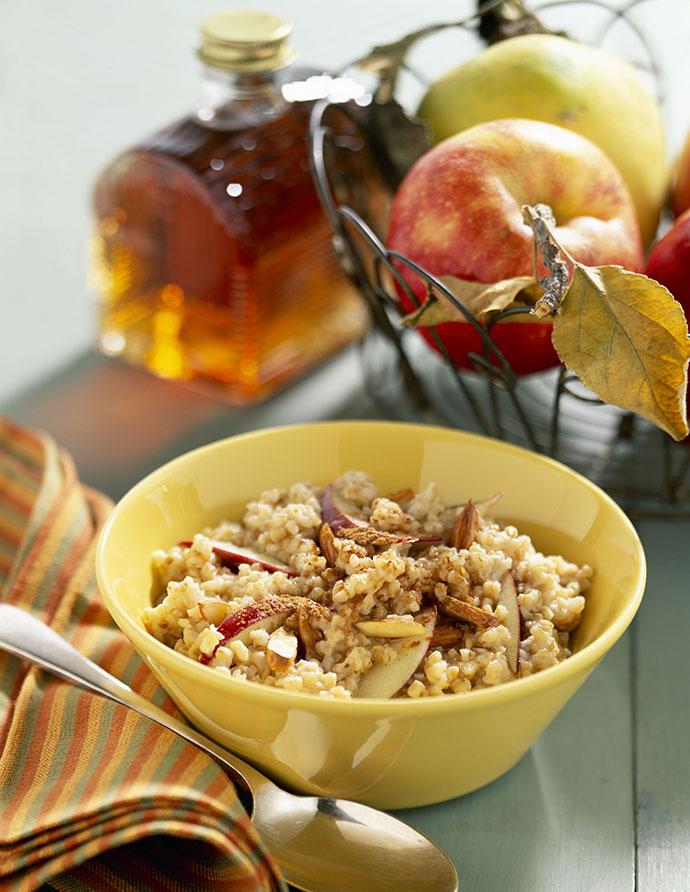 Овсянка с медом и яблоками
