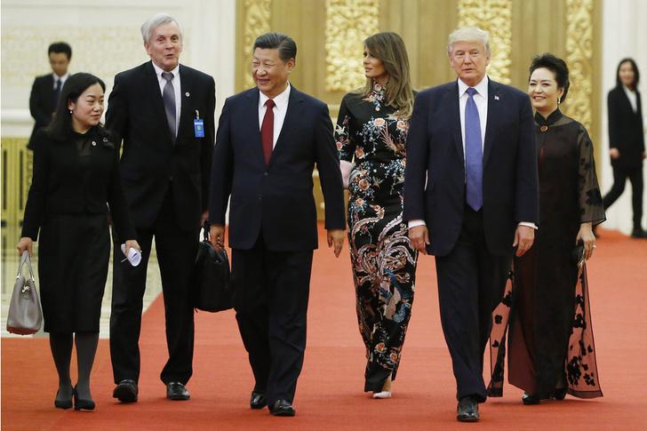 Само совершенство: Мелания Трамп в платье-кимоно Gucci