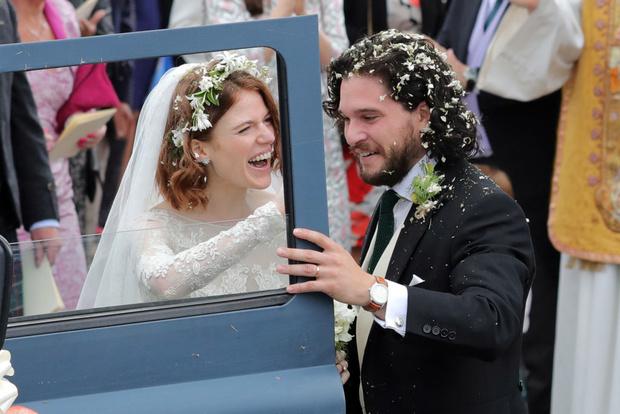 Кит Харингтон иРоуз Лесли поженились (фото 3)
